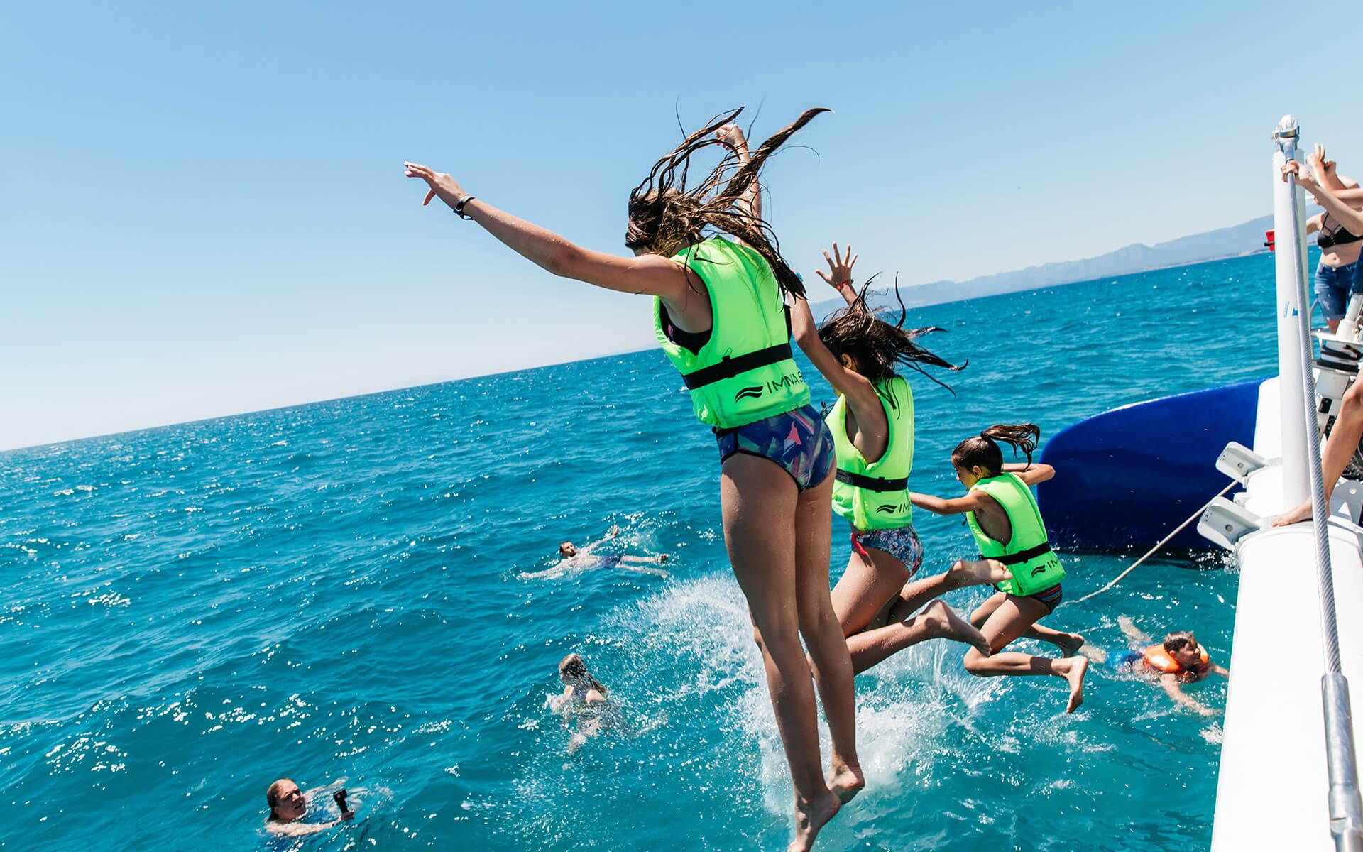 Excursión en el gran catamarán Ocean Fly