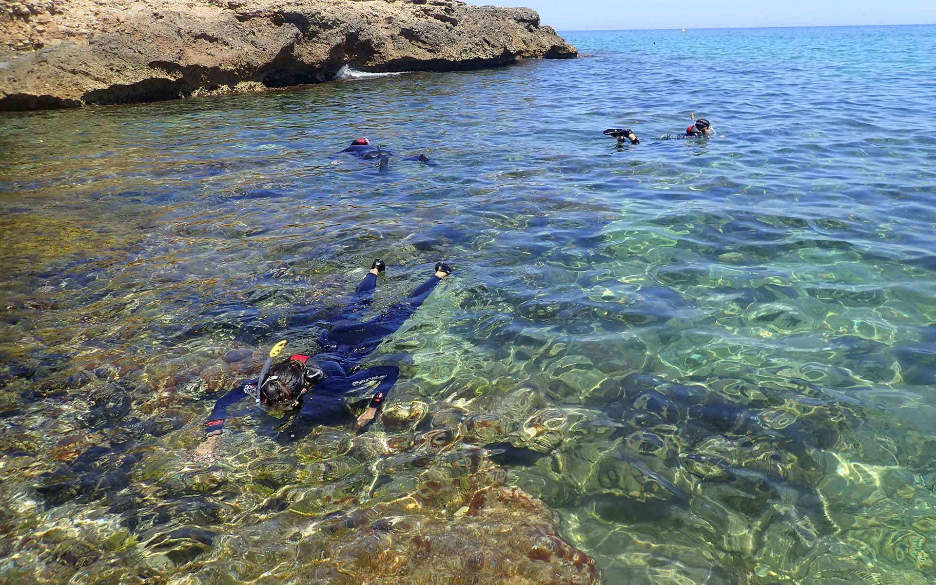 Descubrir Miró desde el mar