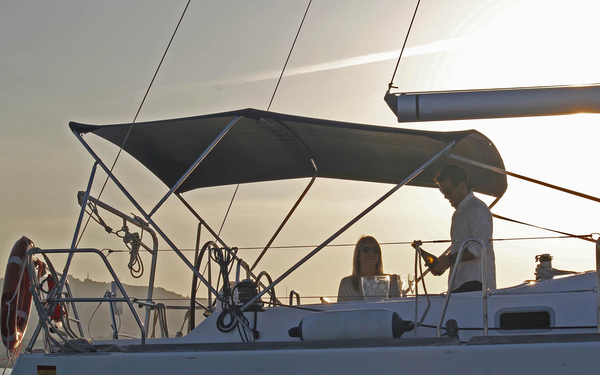 Puesta de sol desde un velero