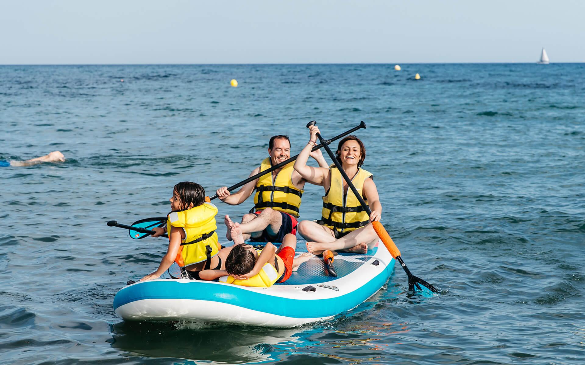 Bateig de mar i allotjament a Cambrils