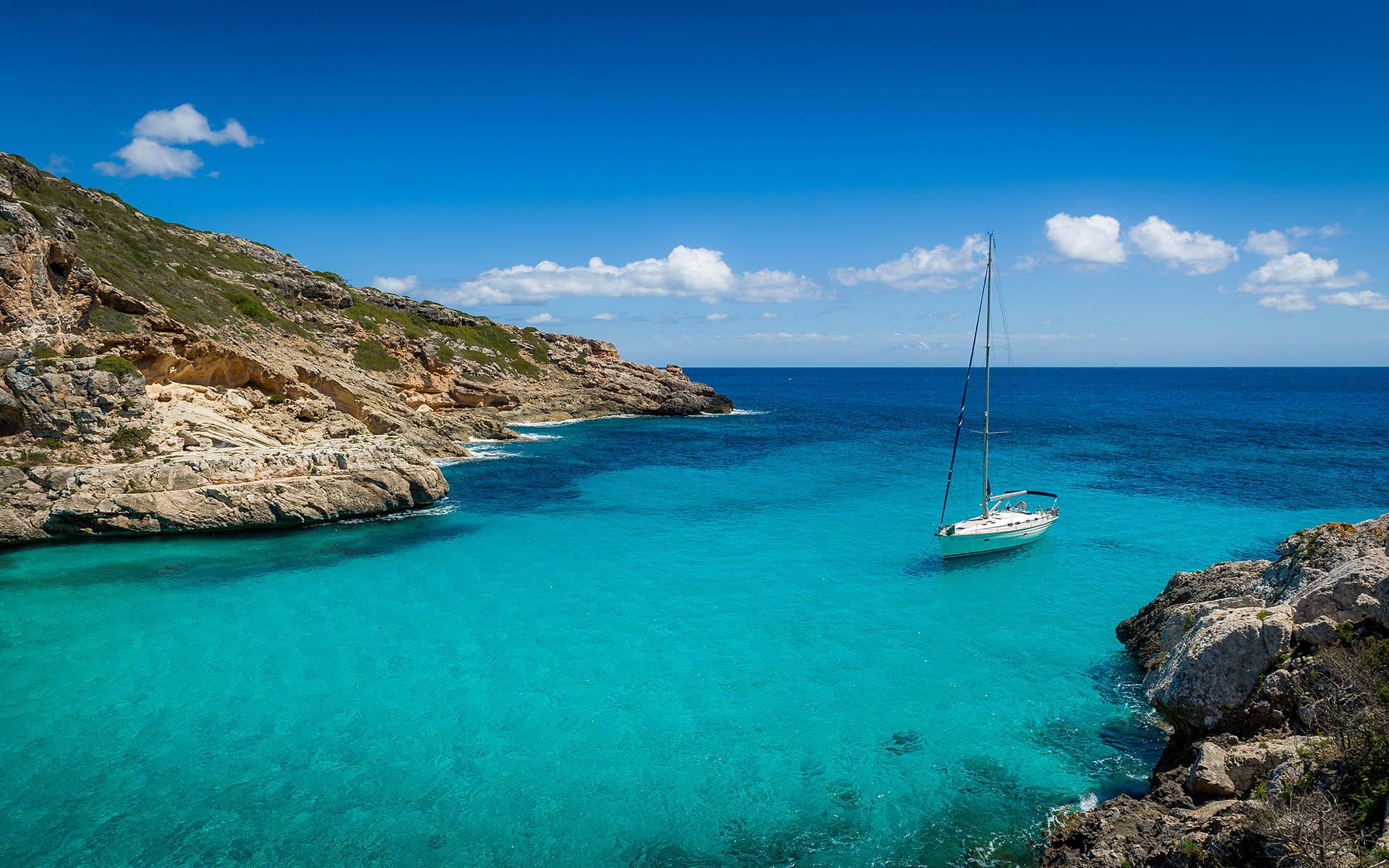 ¿Quieres descubrir las mejores terrazas y miradores sobre el mar?